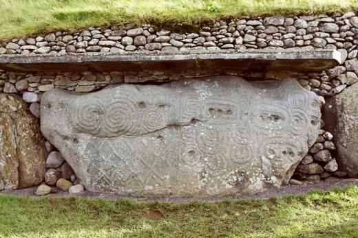 Newgrange_sm_32
